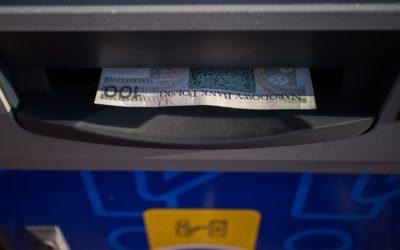 Nevýhodný výběr umějí banky blokovat